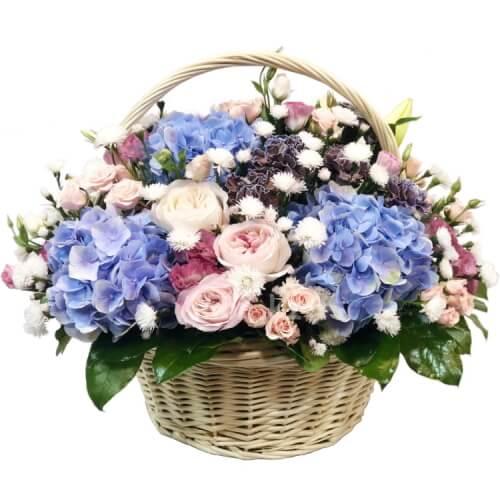 Влюбленная флористка